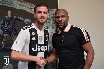 Floyd Mayweather with Pjanic